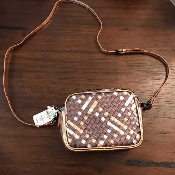 Neiman Marcus Handbags - BNWT Neiman Marcus Metallic Weave Crossbody Bag
